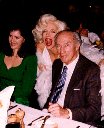 Marilyn Monroe Impersonator Tracey Bell singing to Pierre Trudeau
